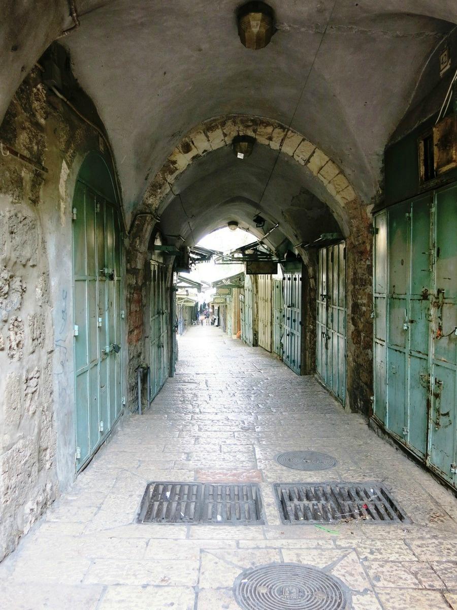 terre sainte en israel Focus Souks de Jérusalem déserts à l'aube... 5h30 du matin !