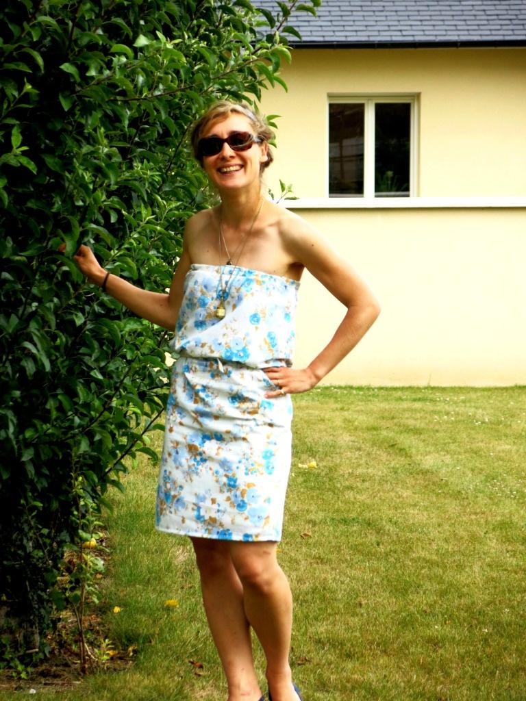 Housse de couette transformée en robe bustier