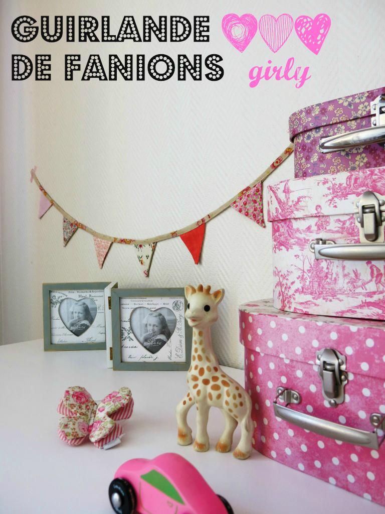 Guirlandes #5 : Fanions en tissu rose