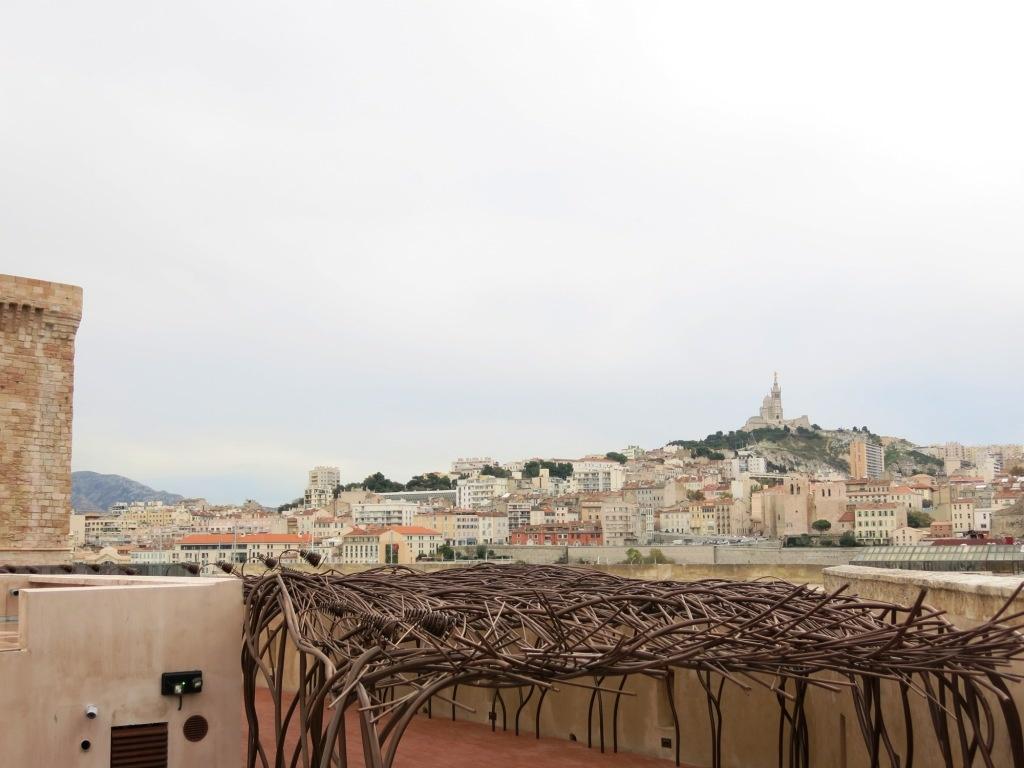 Vue de Notre-Dame de la Garde depuis le Fort Saint Jean