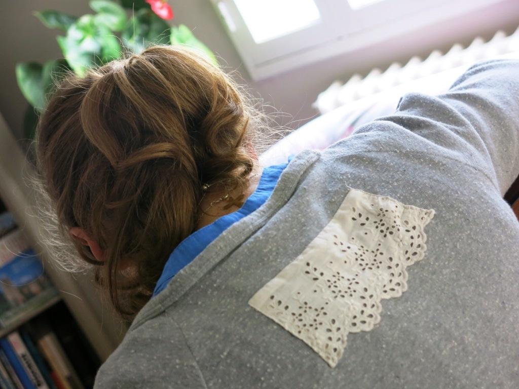 GARDE-ROBE DE GROSSESSE #5 : un tee-shirt avec de la dentelle
