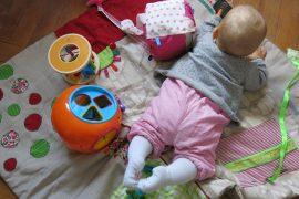 Princesse T sur tapis d'éveil récup
