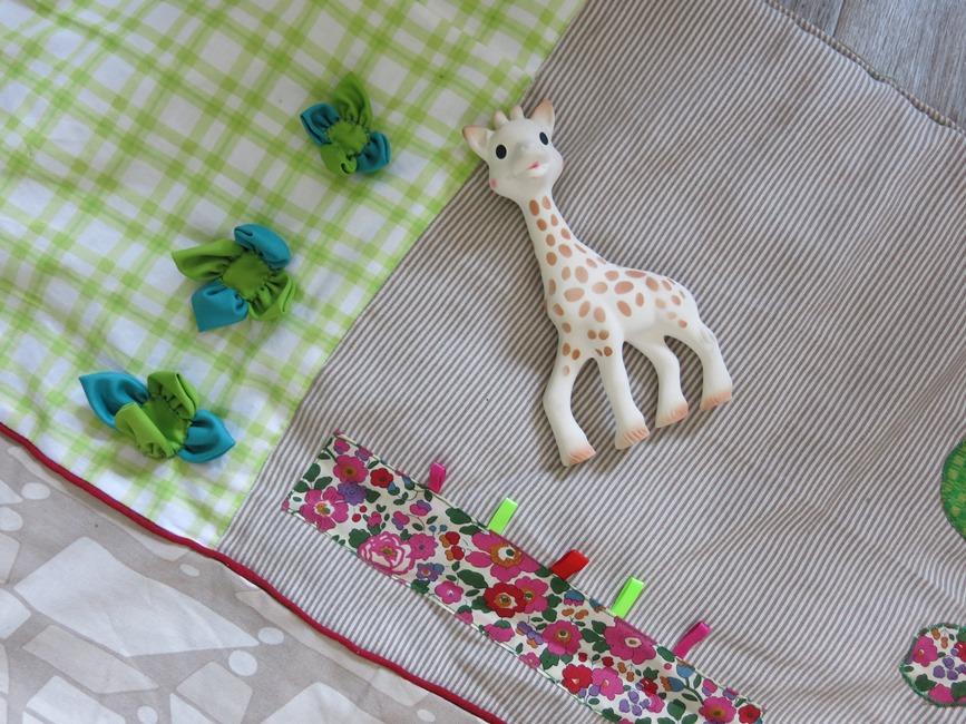 Sophie la Girafe et fleurs mariage