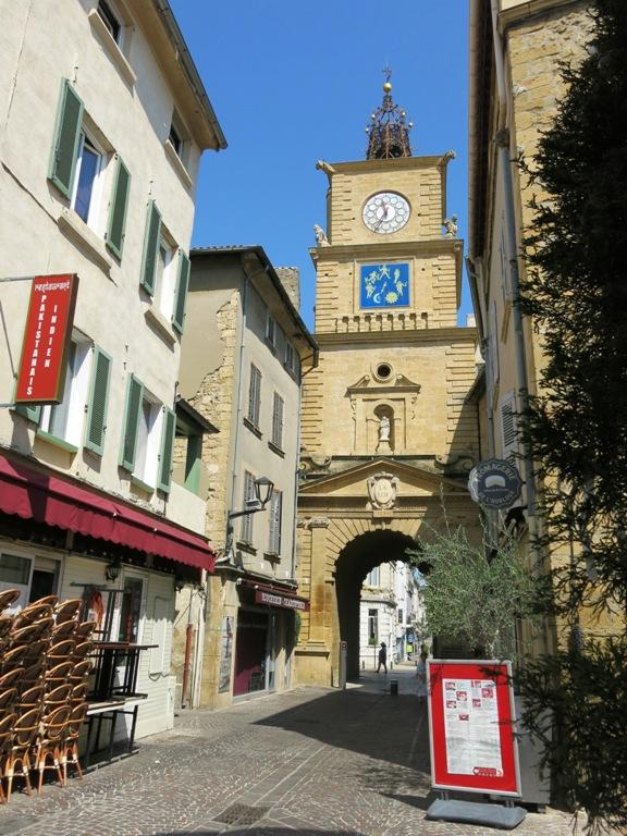 horloge-de-salon-de-provence