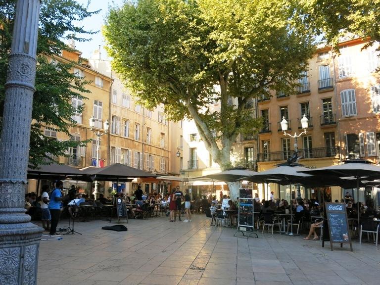 jolie-place-aix-en-provence