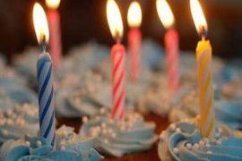 photo cup cake avec bougies un an Pimprelys